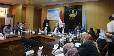 محافظ كفر الشيخ يلتقي أعضاء مجلس النواب والشيوخ