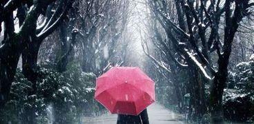 6 فوائد للمشي تحت الأمطار بينها حرق السعرات الحرارية