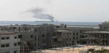 حريق في سفينة قبالة سواحل سوريا
