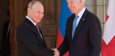 بايدن خلال لقائه بوتين في أول قمة بينهما