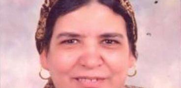 الأم المثالية بالإسكندرية: أولادي الثلاثة دخلوا الجامعة بفضل «مكنة الخياطة»