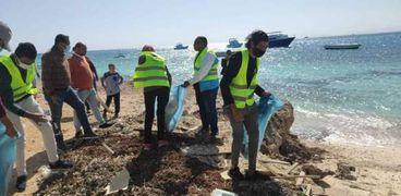 تلوث البلاستيك في المياه