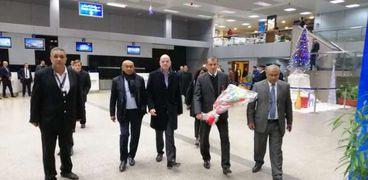 مطار الغردقة الدولى يستقبل أساطير القارة السمراء لحضور حفل الأفضل