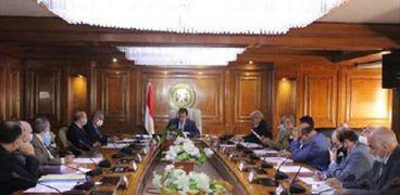 وزير التعليم العالى خلال اجتماعه مع عدد من الأساتذة المصريين العاملين بالجامعات الكندية