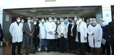 وزيرة الصحة تطمئن على الحد الاستراتيجي للأكسجين في مستشفى الشيخ زايد
