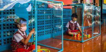 رياض الأطفال في تايلاند من أكثر المدارس صرامة في الاحترازات الصحية ضد فيروس كورونا