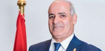 الدكتور أحمد جابر شديد ..رئيس جامعة الفيوم