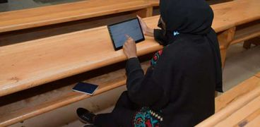 الطلاب أثناء الاختبارات الإلكترونية