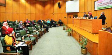 المجلس الأعلى للجامعات يناقش مقترح جديد يخص كليات الطب البيطري في مصر