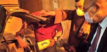 ضبط مستلزمات طبية حاول موظف أمن مستشفى تهريبهاداخل سيارته