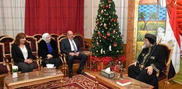 بالصور| رئيس الجهاز المركزي للمحاسبات يهنئ البابا تواضروس بعيد الميلاد