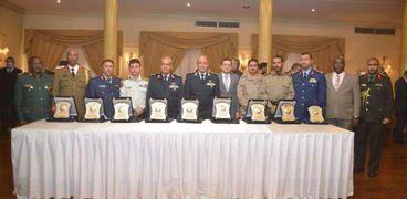 عاجل.. القوات المسلحة تتسلم شهادات الاعتماد الدولية لـ«الكلية الجوية»