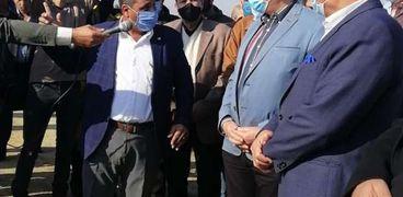 جولة وزيرالرى لمتابعة الزراعة بالصرف الزراعى
