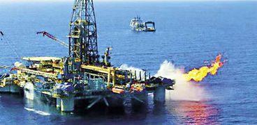 """اتفاقية بترولية جديدة  بين """" شل""""و """" البترول""""في البحر الاحمر"""