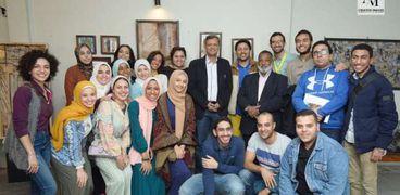 المشاركون بمعرض إعادة خلق