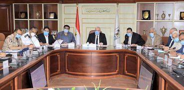 جانب من اجتماع المجلس التنفيذي لمحافظة بني سويف