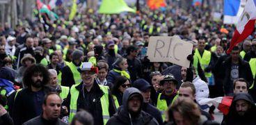 متظاهرو السترات الصفر
