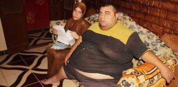 """""""محمود سمير"""" مريض السمنة المفرطة وزوجته"""
