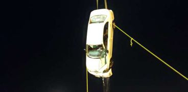 سقوط سيارة بمرفق بورسعيد