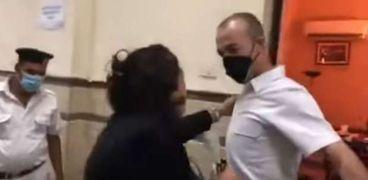 جانب من فيديو الاعتداء