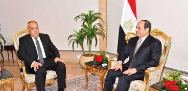 """الفريق عبدالمنعم التراس مع الرئيس عبدالفتاح السيسي """"صورة أرشيفية"""""""