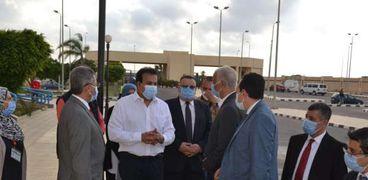 وزير التعليم العالي يتفقد مستشفى برج العرب الجامعي كأول مركز جامعي متخصص لعلاج سرطان الاطفال