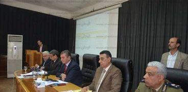 محافظ كفر الشيخ فى إجتماع المجلس التنفيذى