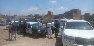 ضباط الشرطة في مكان الحادث