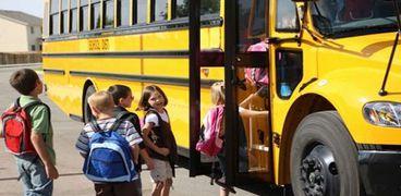احدى الحافلات المدرسية .. أرشيفية