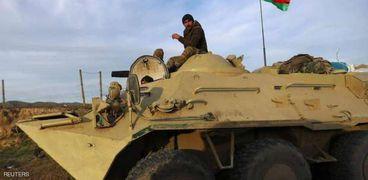 إحدى المدرعات التابعة للقوات الأذرية