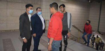 مترو الأنفاق يبدأ حملات ضبط المخالفين لتعليمات ارتداء الكمامات الطبية داخل المحطات