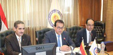 وزير التعليم العالى يترأس اجتماع المجلس الأعلى للجامعات
