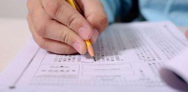مصير امتحانات الترم الأول