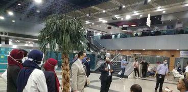 المطار يشهد سفر ووصول 117 رحلة ومصر للطيران تستقبل 2600 مسافر خلال ال 24 ساعة الماضية    أستقبل مطار القاهرة الدولى، على مدار يوم أمس الأحد، 60 رحلة طيران ركاب دولية وداخلية وخاصة، أقلت على متنها حوالي 7177 راكبا من عدة جنسيات ووجهات مختلفة، كما غادر المطا