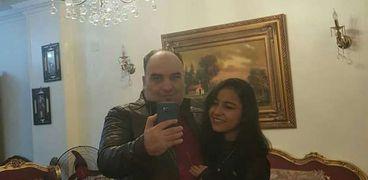 حزن على السوشيال ميديا بعد وفاة ابنة عقب رحيل والدها