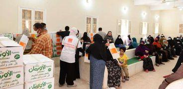 الأورمان توزع كراتين مواد غذائية على أهالى قرية الرغامة والعزبة الجديدة بكفر الشيخ