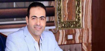 الدكتور محمود حسين