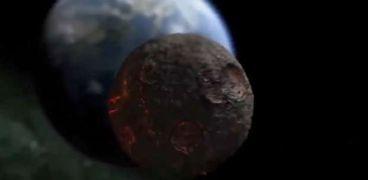 ناسا تحذر : كويكب بحجم ملعب كرة قدم يقترب من الأرض