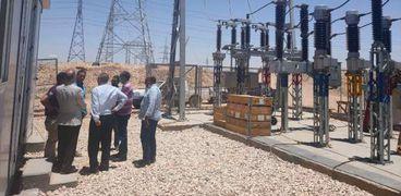 إطلاق التيار الكهربائي لـ720 وحدة بـ«سكن لكل المصريين» غرب قنا