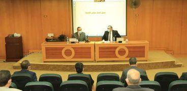 اجتماع محافظ كفر الشيخ مع رئيس الجامعة
