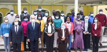 وزيرة الهجرة تلقي محاضرة لإعلاميي جنوب السودان بالتعاون مع «الإعلام»