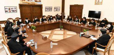 البابا خلال اجتماعه مع أساقفة القاهرة والإسكندرية