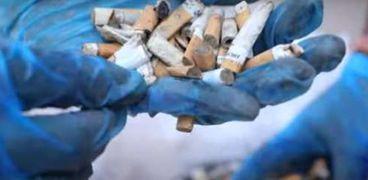 رجل يصبح مليونير من جمع أعقاب السجائر