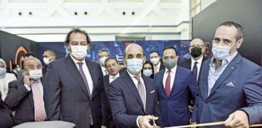 قيادات بنك القاهرة تفتتح الفرع الرقمى الجديد