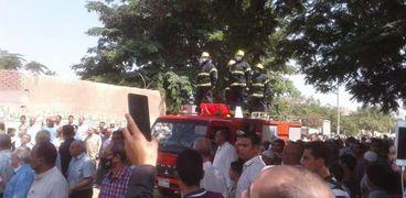 تشييع جثمان شهيد طره في جنازة عسكرية وشعبية مهيبة بالمنوفية
