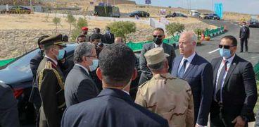 رئيس تونس يزور خط بارليف