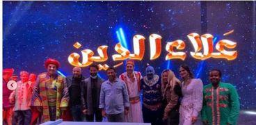 خالد النبوي يحضر مسرحية علاء الدين