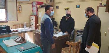 إحالة عاملين بمصالح حكومية في بني سويف للتحقيق لعدم ارتداء كمامات
