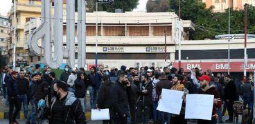 متظاهرون في «طرابلس» اللبنانية للتنديد بمقتل «لقمان سليم»