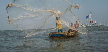 سفينة صيد قبالة غانا